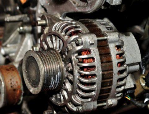 Alternador del coche, ¿cuándo debemos cambiarlo o repararlo?
