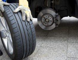 Cómo saber cuándo cambiar los neumáticos del coche
