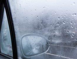 Conducir en invierno: Qué hacer para que no se empañen los parabrisas
